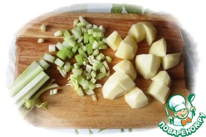 Peel potatoes and cut in big pieces,  celery cut into thin slices.