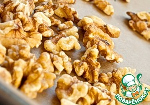 Walnuts fry on a dry pan until Golden brown.