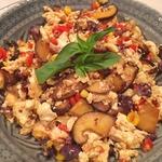 Скрамблд тофу с овощами