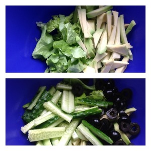 Lettuce shred. Avocado peeled, cut into strips and sbryznut with lemon juice. Olives cut into slices, cucumber strips.