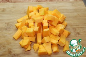 2. To put water on the fire.  While water boils, prepare the pumpkin and apples.  Pumpkin peel and cut into medium size pieces