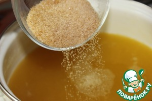 6. Add sugar and dissolved in cold water starch.