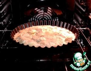 Форму поставила запекаться   в разогретую духовку при t 200   градусов.
