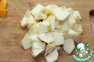 3. Apple peel and cut into medium size pieces