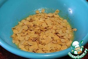 Добавляем половину кукурузных хлопьев (те, что готовые завтраки))).