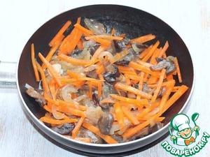 8. Затем добавляем морковь,...