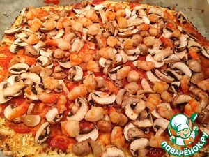 On top put the mushrooms and shrimp.
