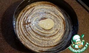 Вот так выглядит тесто после того, как я выложила его в форму.