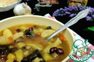 Рецепт: Грибной суп с чесночными галушками