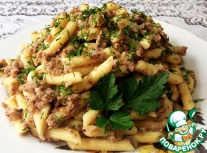 Put the pasta on a plate, decorate with greens. Cooking time is given without time for boiling meat.