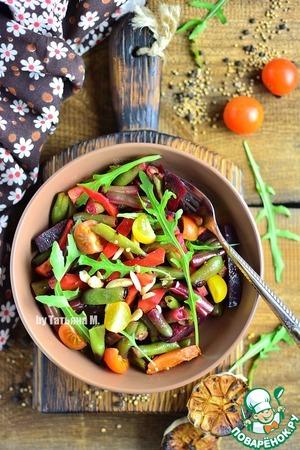 Для салата к перемешанным овощам добавить кориандр, черри, руколу и орехи по вкусу!