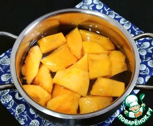 Pumpkin cut into small pieces and boil until tender.