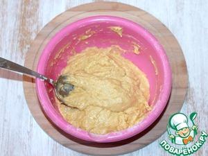 6. Добавляем в жидкую апельсиновую смесь по 1 ст. л. муки. Замешиваем густое, липнущее тесто, оно с трудом падает с ложки. Включаем духовку на t 180 С.