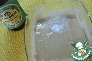 В готовый кляр добавить по вкусу соль, соду и погасить соду лимонным соком.   Размешать.