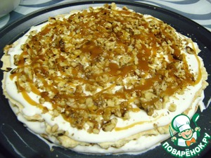 2, 3, 4 cakes add to the stuffing caramel.