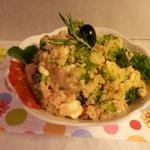 Теплый салат с броколли и кускусом