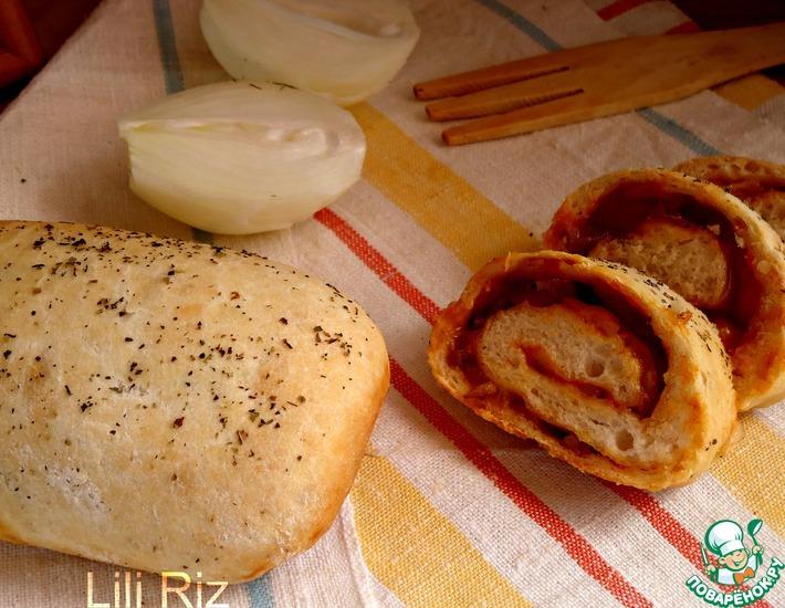 Рецепт: Постный рулет с томатно-луковой начинкой