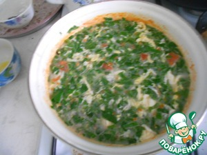 Add the chopped herbs, give the writing a rolling boil for 3-4 minutes. Pour boiled rice and immediately remove from heat.