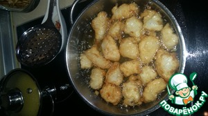 When the oil is heated, you need to dip each piece of fish in batter and put in the fryer. Fry until beautiful, Golden brown.