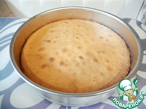 Extract the cake from the oven and leave to cool for 5-7 minutes.