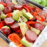 Краковская колбаса с овощами в фольге