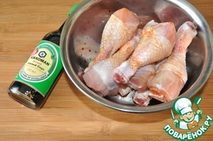 Take chicken leg quarters (can use thighs, legs). Pour soy sauce, I have a mild soy sauce Kikkoman.