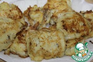 Выложить рыбу или овощи на бумажное полотенце для удаления излишков масла.
