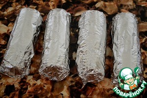 """Wrap each cob.  As such, the corn must withstand at least 15-20 minutes.  Very comfortable for such a """"prefabricated"""" pack a picnic."""