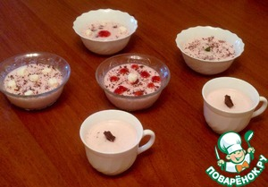 Decorate as you wish (I decorated with chocolate, marshmallows and raspberry jam).  Ready! Bon appetit!