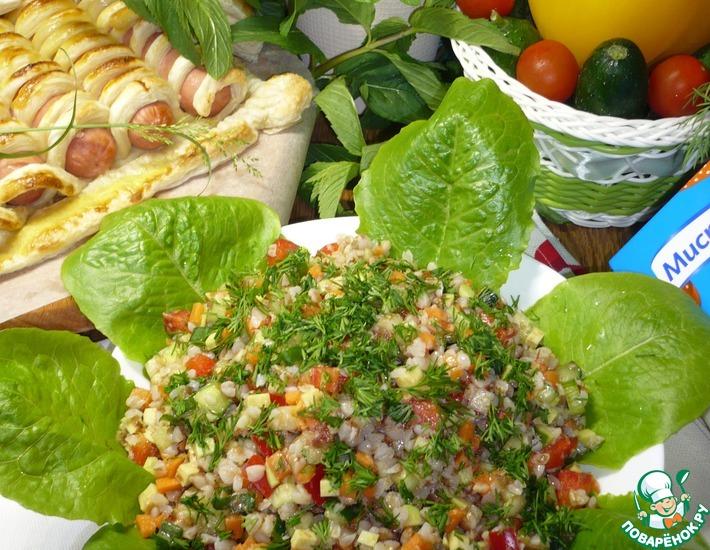 Рецепт: Салат с гречкой и овощами