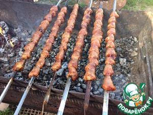 Hearts strung on skewers and fried on coals 10-15 minutes, do not overdry.