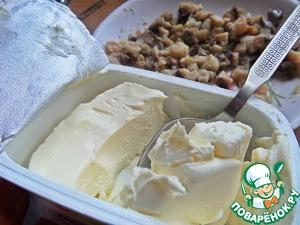 """Добавить половину коробочки крем-сыра, бывает с укропом-тоже можно. У меня латвийской фирмы, в оригинале-""""Филадель фия""""."""