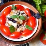 Салат с рисом по мотивам Капрезе