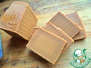 Brown semi-soft Finnish cheese (made by long simmering of milk, you can prepare at home I purchased) has a special caramel aroma and sweet taste with slight acidity.