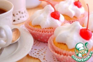 Using a pastry bag transplant on cakes prepared with cream   Enjoy your tea!