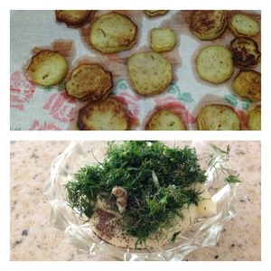 Eggplant clean, cut into slices and fry both sides in vegetable oil. Spread on paper towel to glass the excess oil. Dill finely chop and mix with mayonnaise, garlic skip through the press and pepper. To mix our dressing. A little chopped dill to leave for decorating salad.