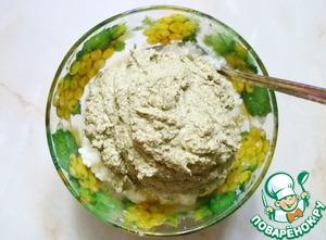 Смешиваем рис со шпротным паштетом, солим по вкусу.