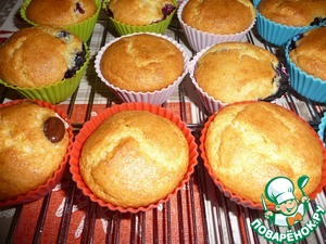 Bake cupcakes in a preheated 180C oven for 20-25minutes (focus on your oven). Check the readiness with a wooden stick. Allow to cool in the form.