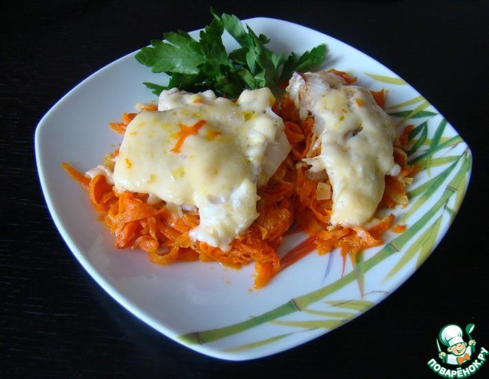 Рецепт: Филе минтая с морковью