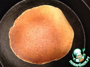 Turn the pancake and cook for another minute or two until Golden brown.