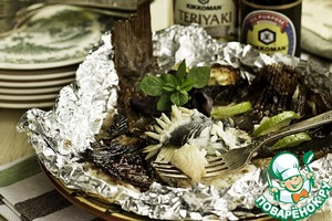 To cook the flounder in foil is better, as its meat is very tender and could stick to the grid. The heat need an average cooking time of about 20 minutes.
