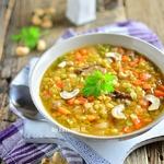 Чечевичный суп с уткой и кешью