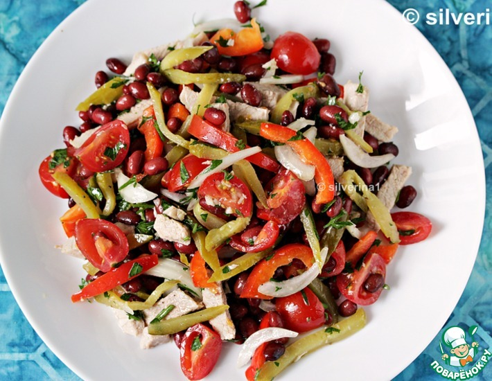 Салат с фасоли и мясом