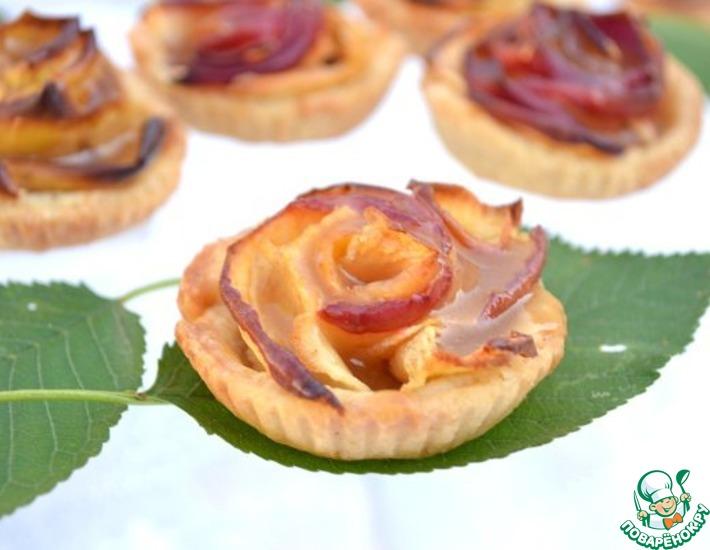 Рецепт: Яблочные тарталетки Карамельные цветы