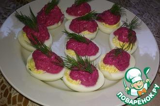 Рецепт: Яйца, фаршированные икрой сельди