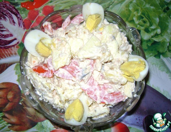 Рецепт: Рыбный салат с яблоком и помидором