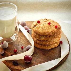 Овсяное печенье с сушеной вишней
