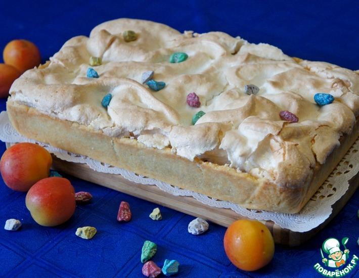 Рецепт: Абрикосовый пирог с безе