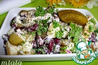 Рецепт: Картофельный салат с фасолью и огурцами