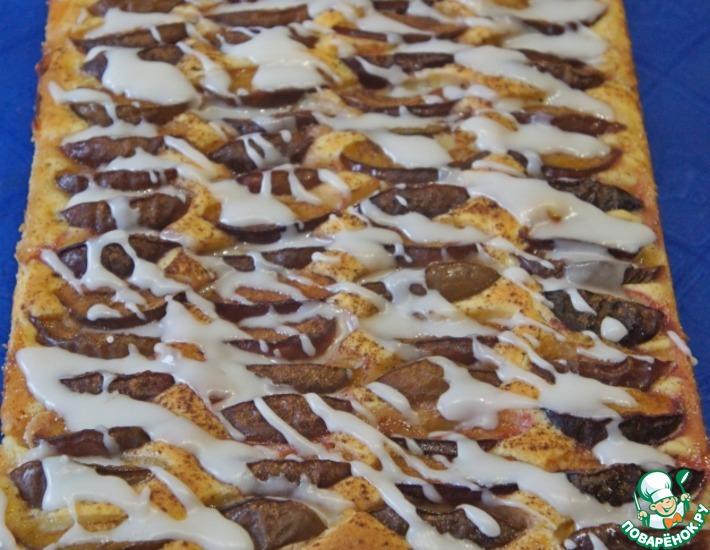 Рецепт: Сливовый пирог с сахарной глазурью
